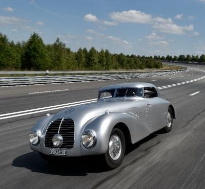Autolack_für-Stromlinienwagen-540K